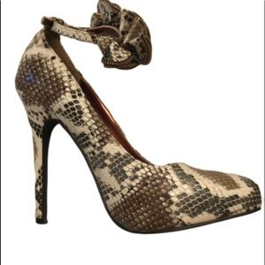 "Fione Collection snake skin 5"" heelsw/ankle straps"